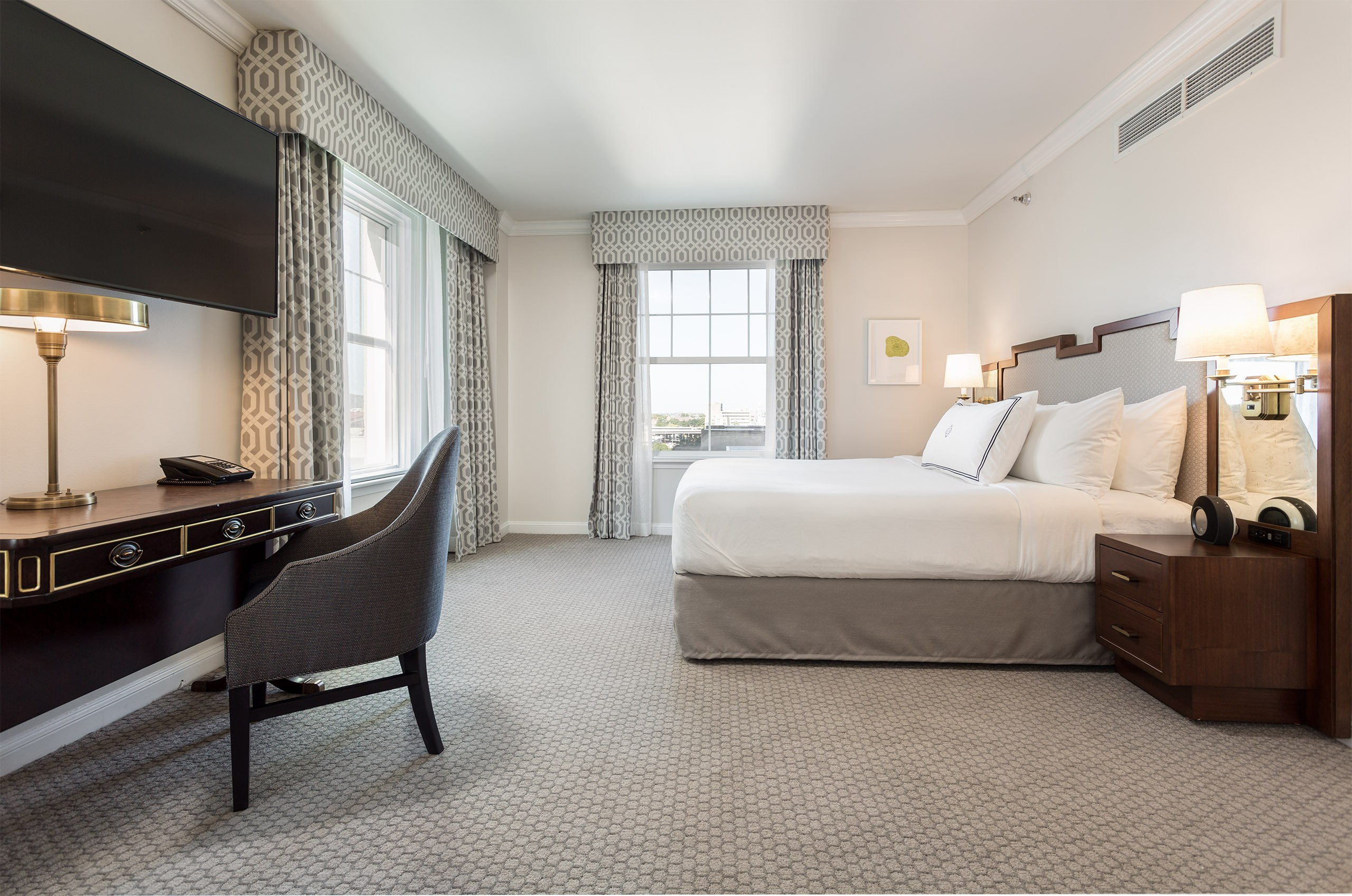 The Lancaster Hotel - Deluxe King Guestroom Overview