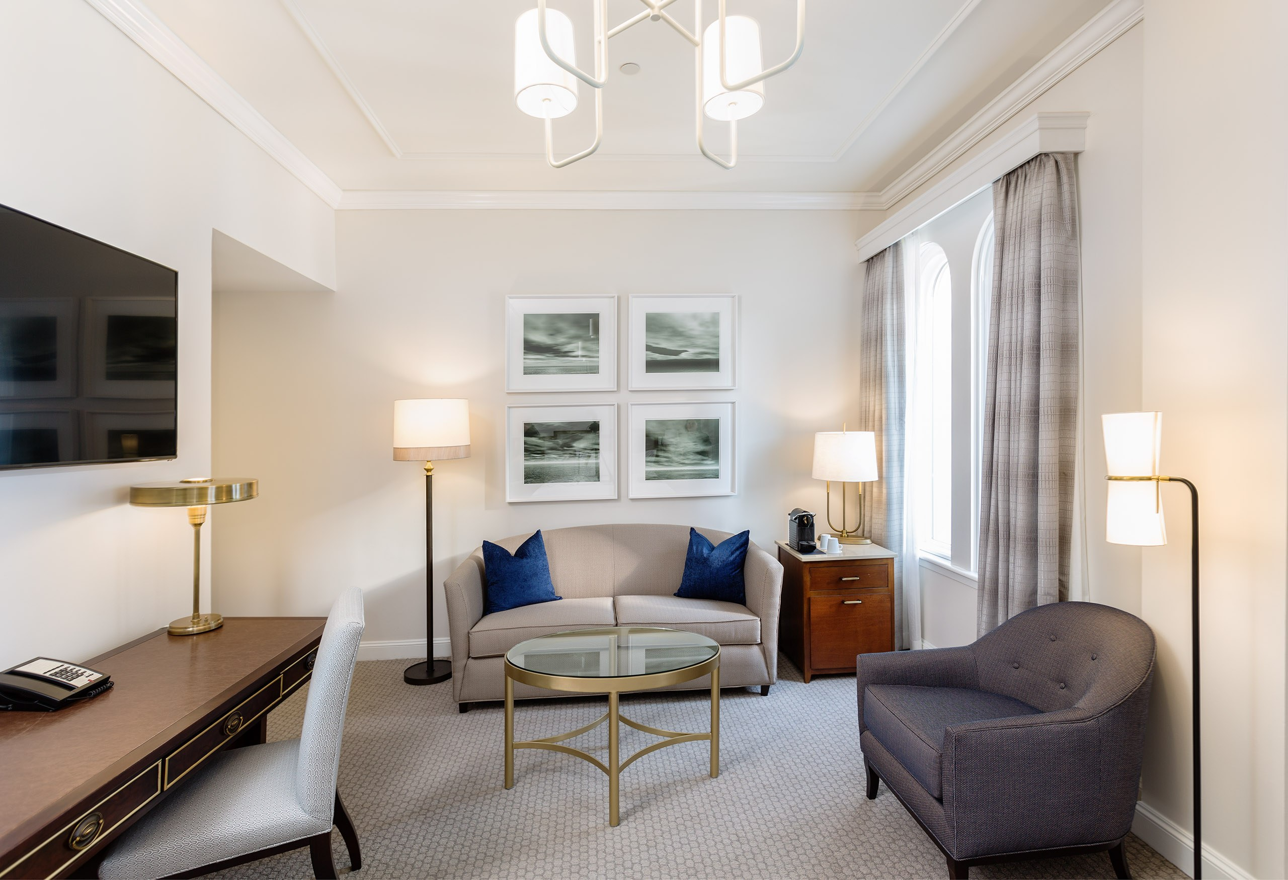 The Lancaster Hotel - Deluxe Penthouse King Guestroom